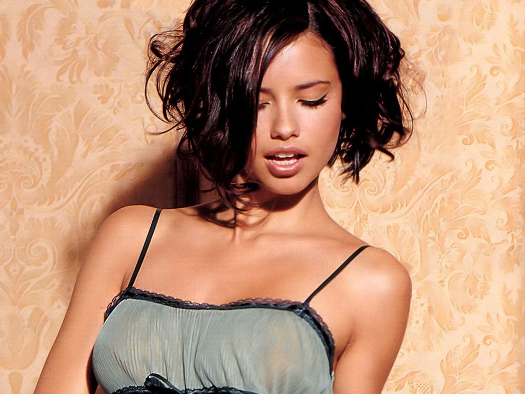Adriana Lima Short Hair