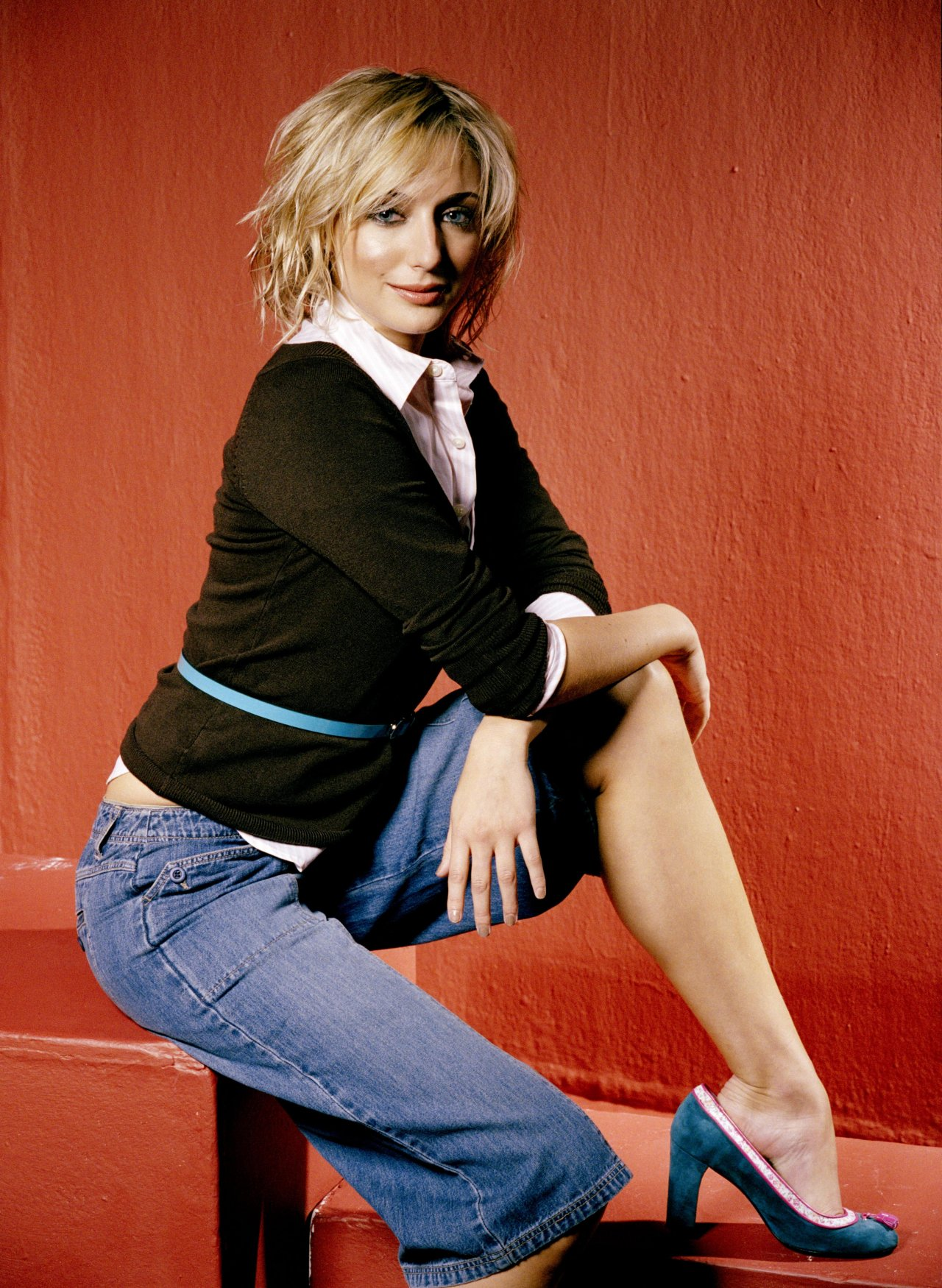 Ali Bastian - Images Gallery