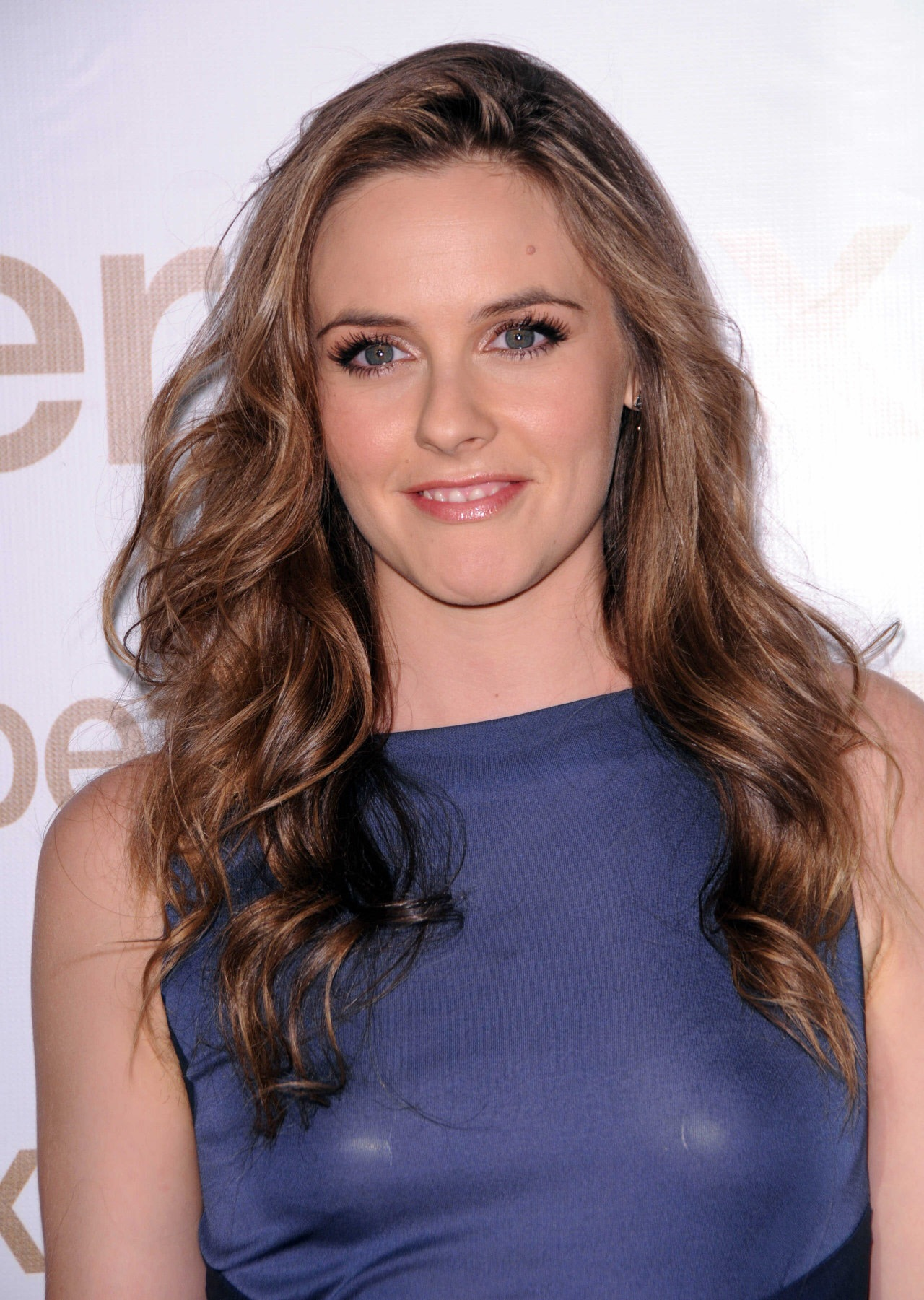 Alicia Silverstone Hairstyles Pictures, Long Hairstyle 2011, Hairstyle 2011, New Long Hairstyle 2011, Celebrity Long Hairstyles 2071