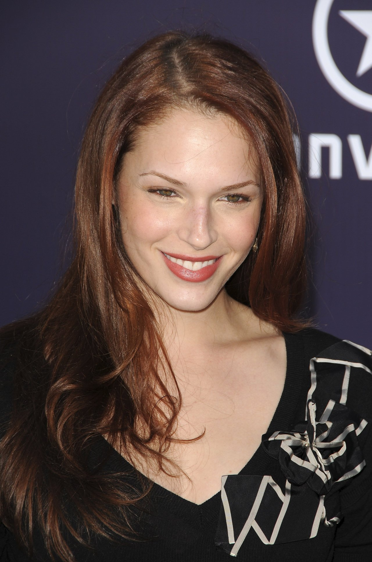 Amanda Righetti wallpa...