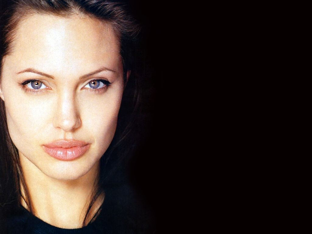 <b>Angelina Jolie</b> wallpapers (33406)