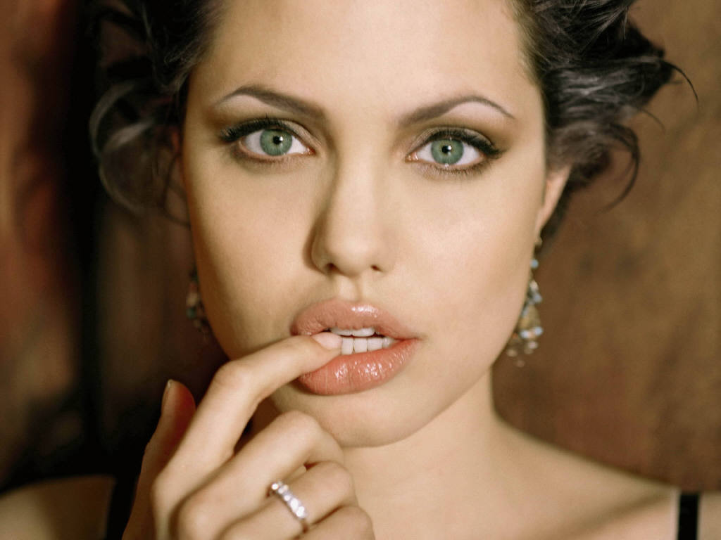 Angelina Jolie Green Eyes