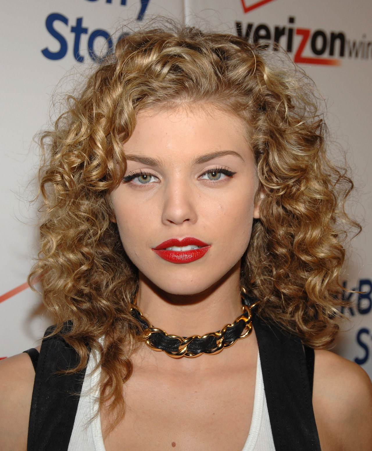 Annalynne Mccord Wallpapers 35199 Best Annalynne Mccord