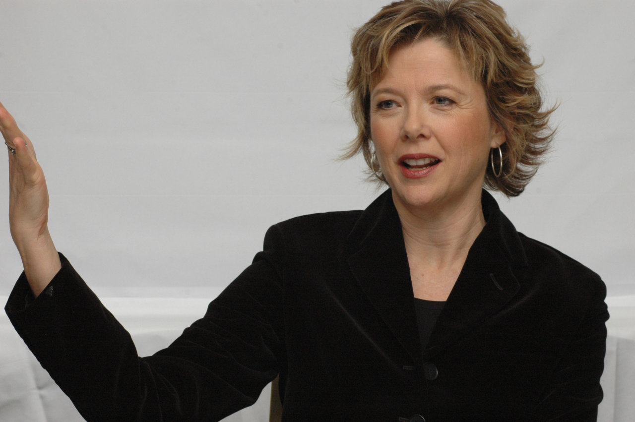 Annette Bening - HD Wallpapers