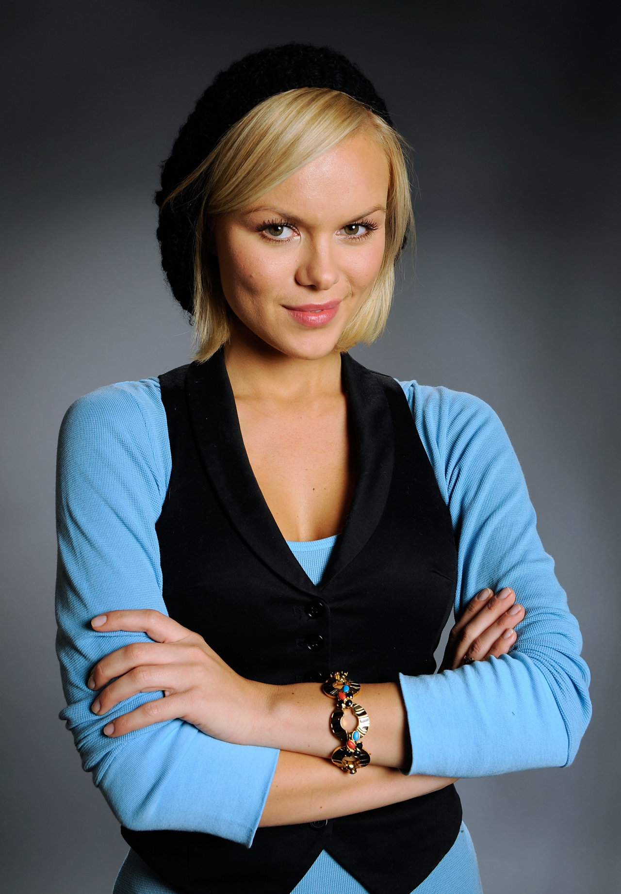 Anya Monzikova