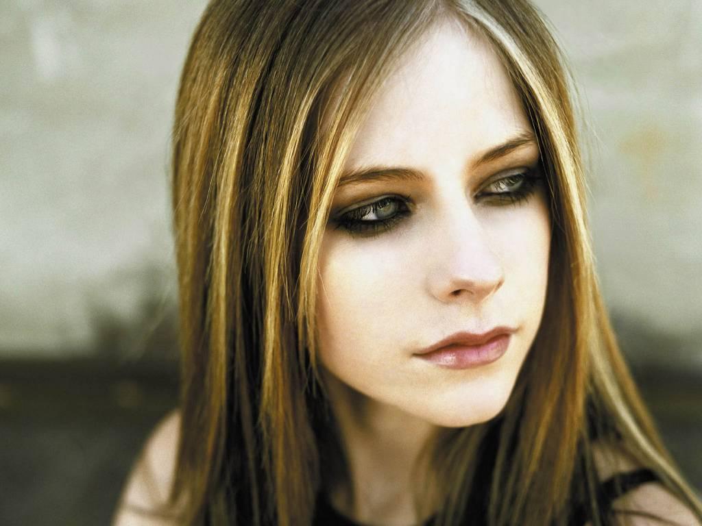 Avril Lavigne - Beautiful Photos